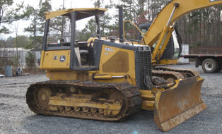bulldozer for track maintenance